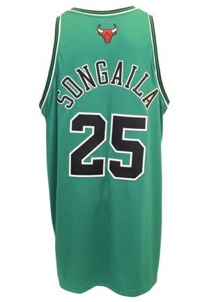 "2005-06 Ryan Songaila Chicago Bulls Game-Used ""St. Patricks Day"" Road Jersey"