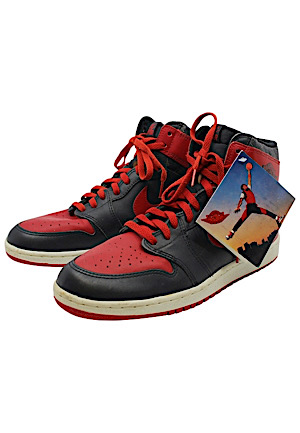 "1985 Michael Jordan Original Nike Air Jordan 1 High OG ""Bred"" Shoes With Jumpman Hanging Tag"